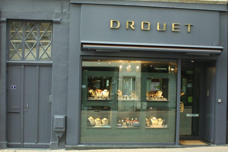 6b6e172eb67 Bijouterie spécialisée en vente et achat de bijoux anciens